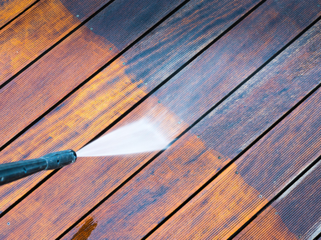 Get Professional Deck and Patio Cleaning in The Bronx, White Plains & Manhattan, Queens & Long Island, NY and the Tri-State Area